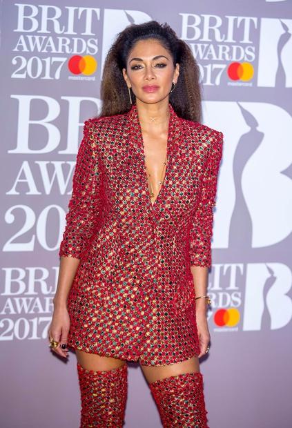 BRIT Awards 2017: Poglej, kaj so nosile svetovno znane zvezdnice (FOTO)