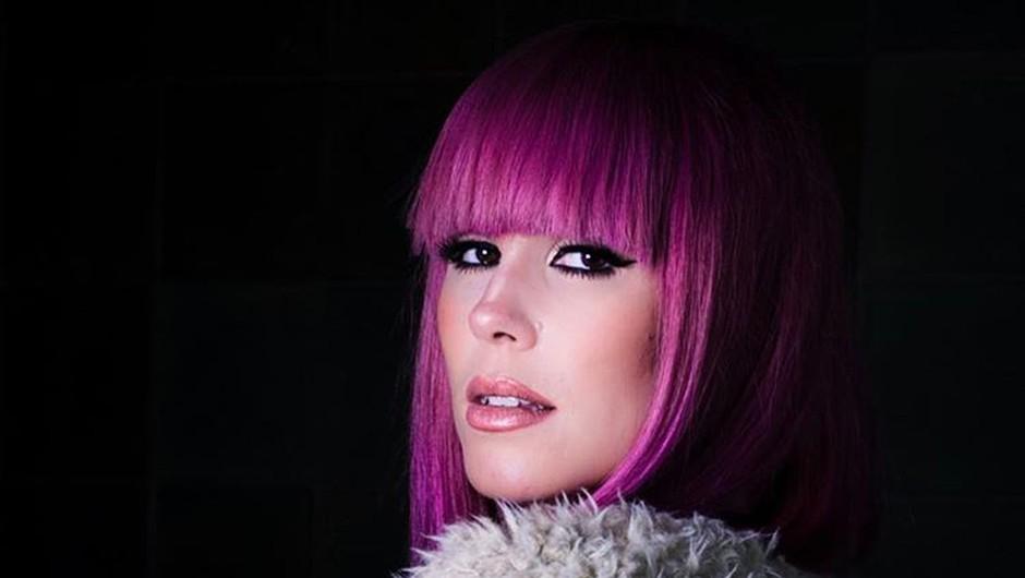 Nika Zorjan: Simpatična in energična pevka z roza lasmi, ki govori 'prekmurski jezik' (foto: PrtSc Instagram @nikazorjan)