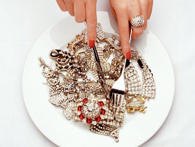 Kako očistiti (srebrni ali zlati) nakit? (foto: Getty Images)
