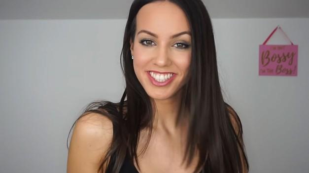 VIDEO: Top nasveti Lepe Afne, kako se popolno urediti za petkov zmenek (foto: PrtSc Youtube)