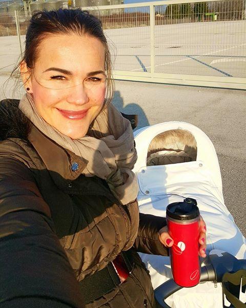 Prva hčerkica Rebeke Dremelj, Šajana, je dobila sestrico, ki so ji dali ime Sija. Na Instagramu in Facebooku je Rebeka …