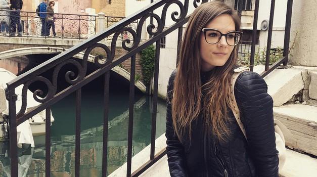 Ta punca (Slovenka!) je zaslovela z izdelovanjem sanjskih poročnih planerjev in vabil (foto: Instagram @the_ananni)