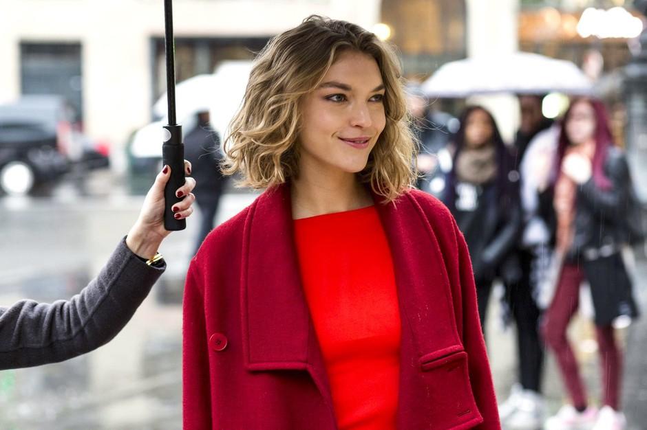 V čem je skrivnost magično privlačnih Parižank? V tem, da nikoli ne nosijo TEGA! (foto: Profimedia)