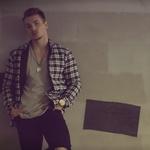 VIDEO: Žan Serčič ima nov spot Letim s hudo vročim ljubezenskim prizorom (foto: MenArt/promocijsko gradivo)