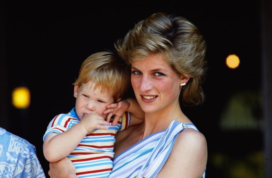 Princ Harry po 20 letih spregovoril o boleči izkušnji izgube mame (foto: Profimedia)