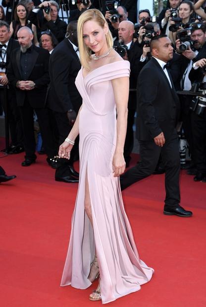 Nadvse nas je prepričal izbor obleke Ume Thurman. Naravnost čudovita je prav kjerkoli se pojavi! 47-letna igralka se je tokrat …