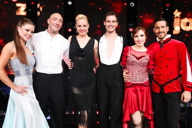 Zvezde plešejo: 7 žgočih aktualnosti iz zakulisja najbolj plesnega šova pri nas! (VIDEO) (foto: Profimedia)