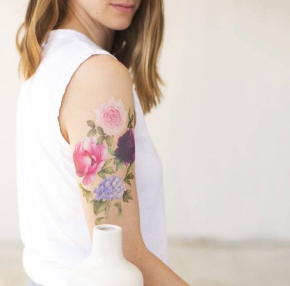 Se še spomniš barvnih tatujev iz 90-ih? Za tiste, ki smo bili v 90-ih še otroci, so bili tatuji iz …