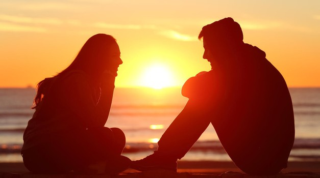 7 stvari, o katerih se (vedno) pogovarjajo srečni pari