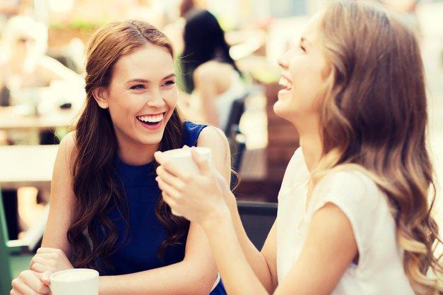 Horoskop: Ti pari astroloških znamenj ustvarijo najboljša prijateljstva (foto: Profimedia)