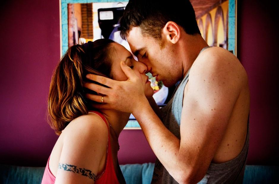 Danes (6. julij) je dan poljubljanja! Veš, kakšna je vloga poljuba? (foto: Profimedia)