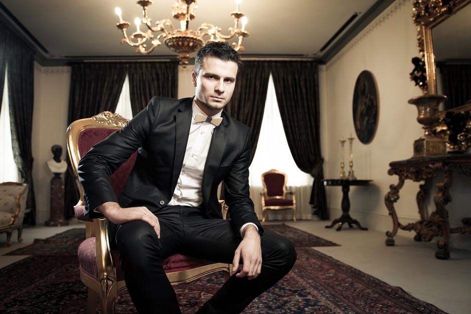 Slovenija ima hude (beri: seksi) politike! To je najbolj seksi ministrov svetovalec (foto: Miha Kolar)