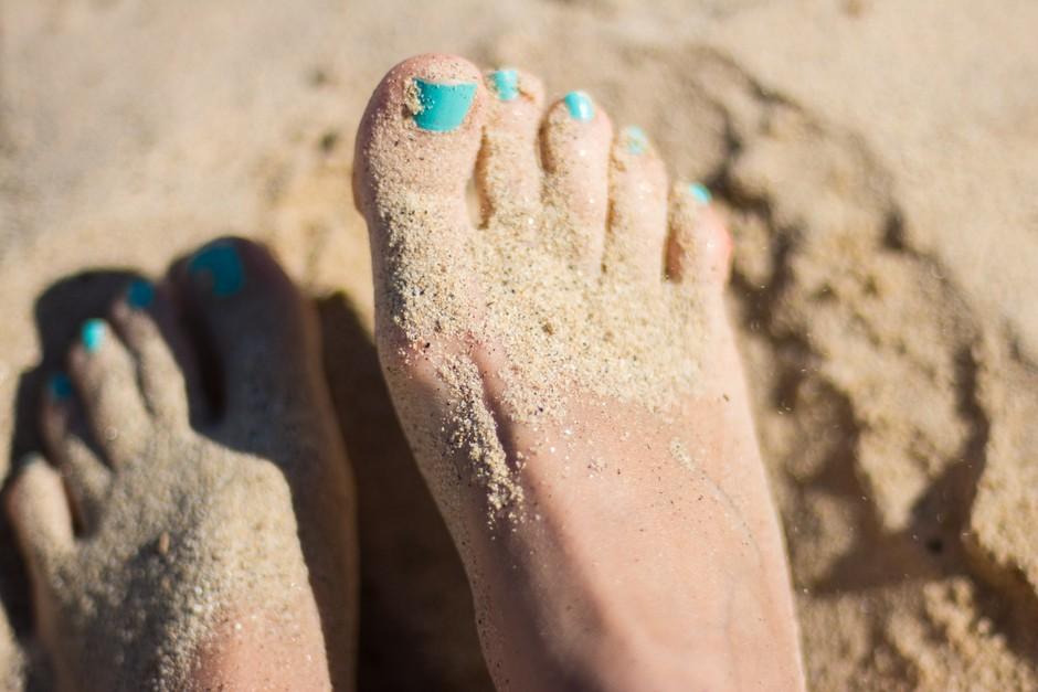 Tako za vedno odpravimo neprijeten vonj stopal! (foto: Unsplash.com/Juja Han)