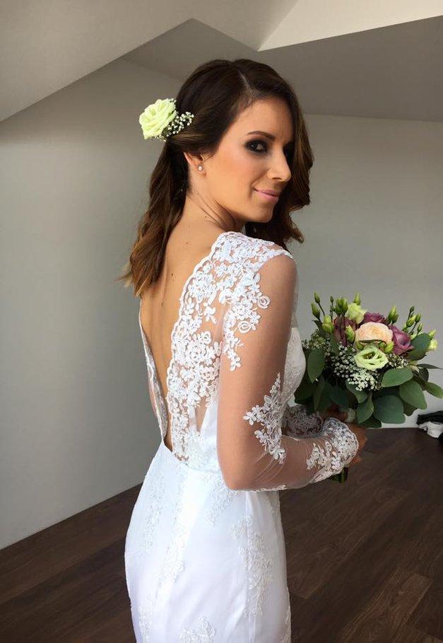 Razkrivamo podrobnosti s poročnega dne pevke Sare Kobold (foto: Facebook.com/@sarakoboldjazbec)