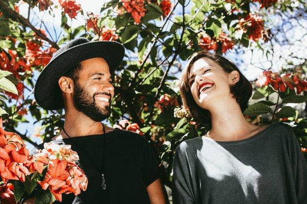 Če moški opazuje TA del tvojega telesa, v mislih nima romantične zveze (foto: Unsplash/Matheus Ferrero)