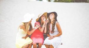 Zakaj najboljši prijateljici ni treba povedati čisto vsega