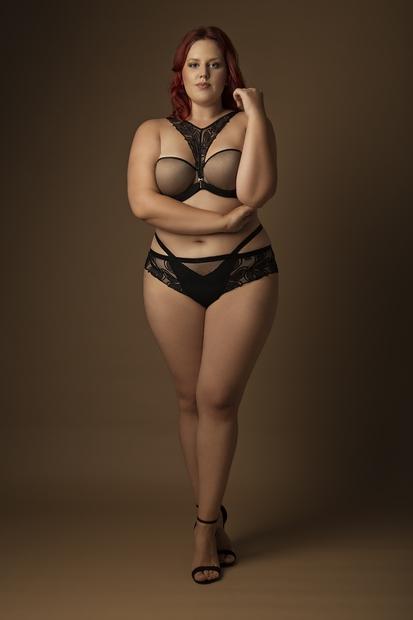 FOTO: Slovenska Ashley Graham zdaj nov obraz kampanje za spodnje perilo Lisca