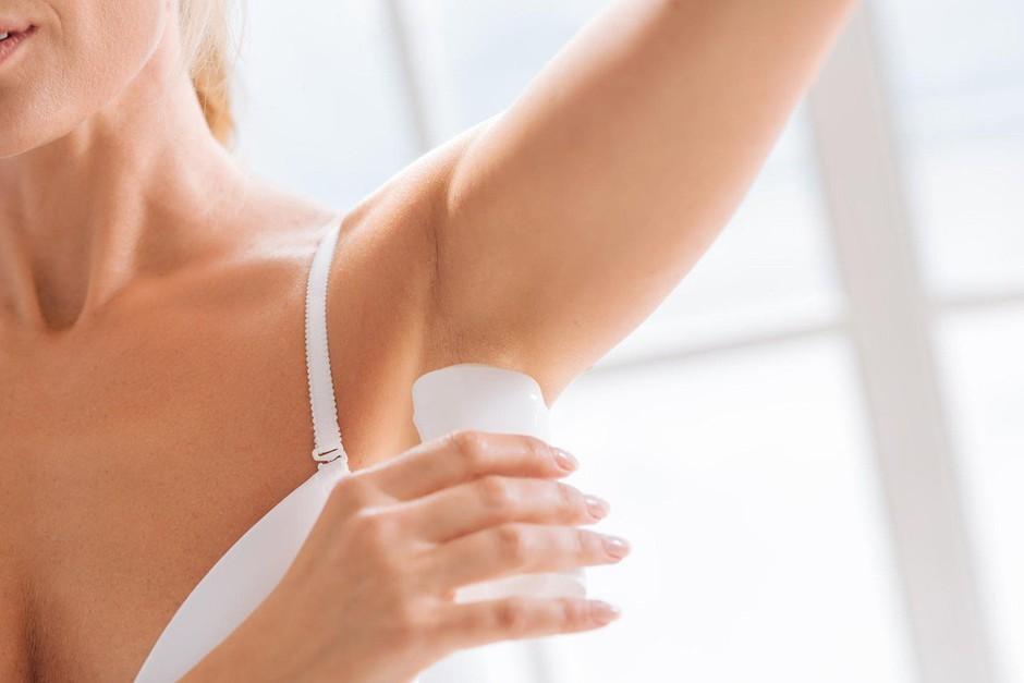Neverjetno: dezodorant smo ves ta čas nanašali popolnoma napačno! (foto: Profimedia)