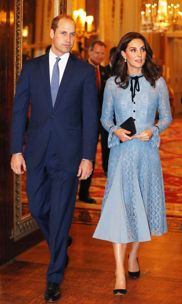 Kate Middleton se je prvič po objavi 3. nosečnosti pojavila v javnosti - Tako je videti! (foto: Profimedia)