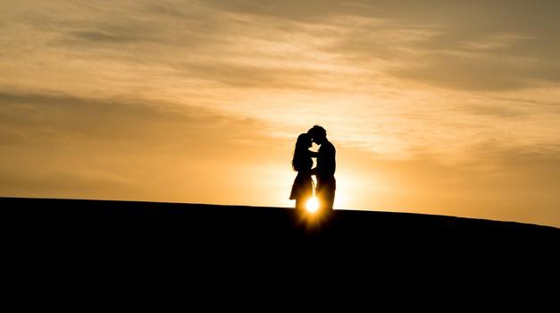 Horoskop: Kaj zate pomeni ljubiti glede na tvoje astrološko znamenje?