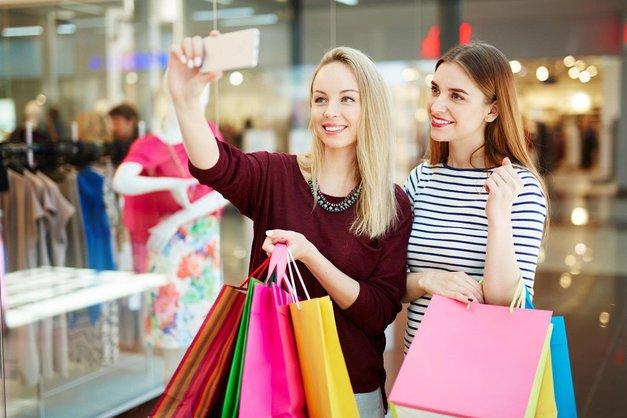 Nočno nakupovanje na črni petek - Poglej, kje! (foto: Profimedia)