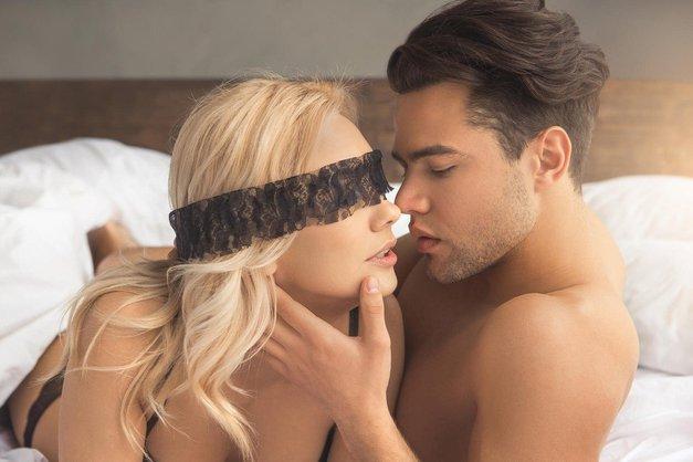 """""""Bil je surov ljubimec - potisnil me je ob steno ..."""" (o seksu s plačanim spremljevalcem) (foto: Profimedia)"""