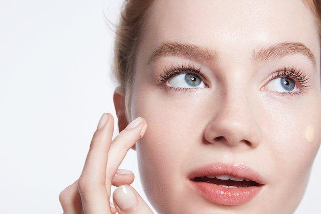 Kako izbrati pravo tekočo podlago za svojo kožo? (foto: Promocijsko gradivo)