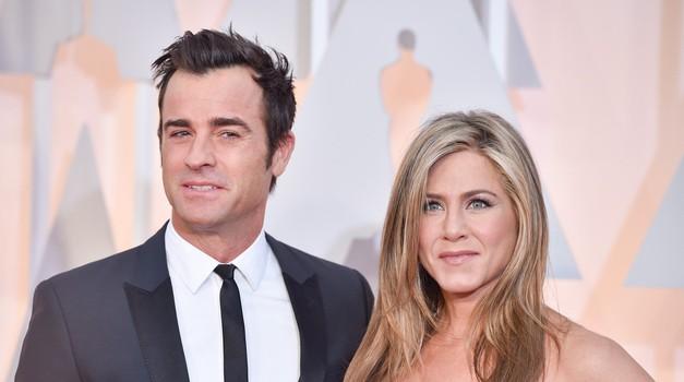Jennifer Aniston in Justin Theroux: Prišlo na dan, zakaj sta se v resnici razšla!