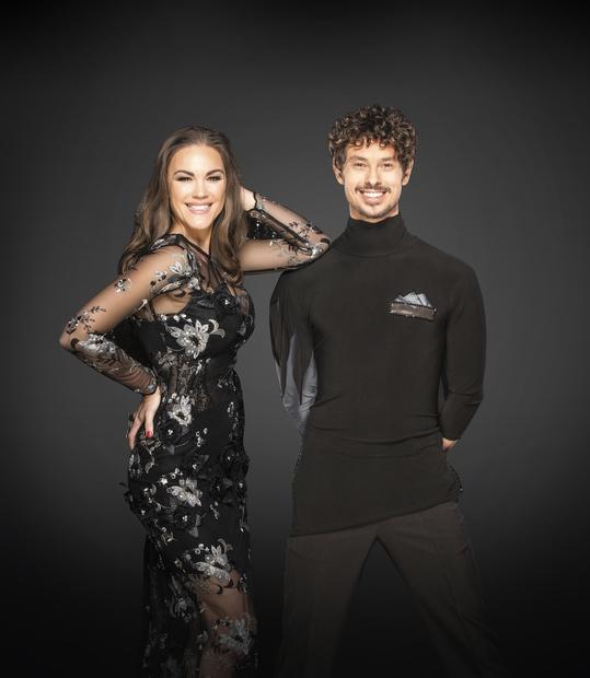 REBEKA DREMELJ in TOMAŽ ŠTER Nekdanja miss, pevka in sveže pečena blogerka Rebeka Dremelj bo plesne korake pilila s plesalcem …