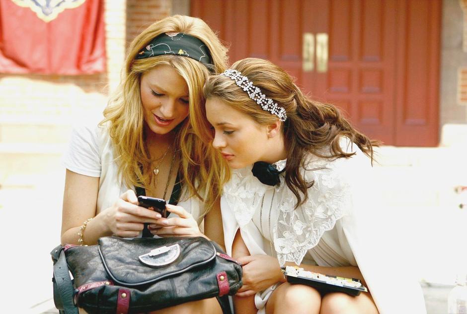 Kaj storiš, če te prijateljica v vsem posnema? (nasvet naše novinarke) (foto: Profimedia)