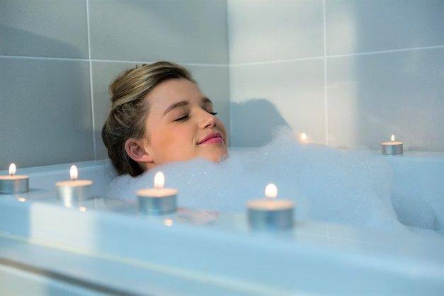 Ne boš verjela, koliko energije porabiš z namakanjem v topli kopeli! (+ ostale koristi namakanja) (foto: Profimedia)