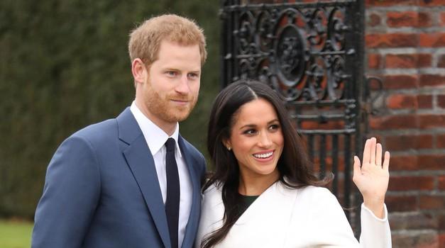 VIDEO: Končno zunaj prvi napovednik za film o ljubezenski zgodbi Meghan Marke in princa Harryja