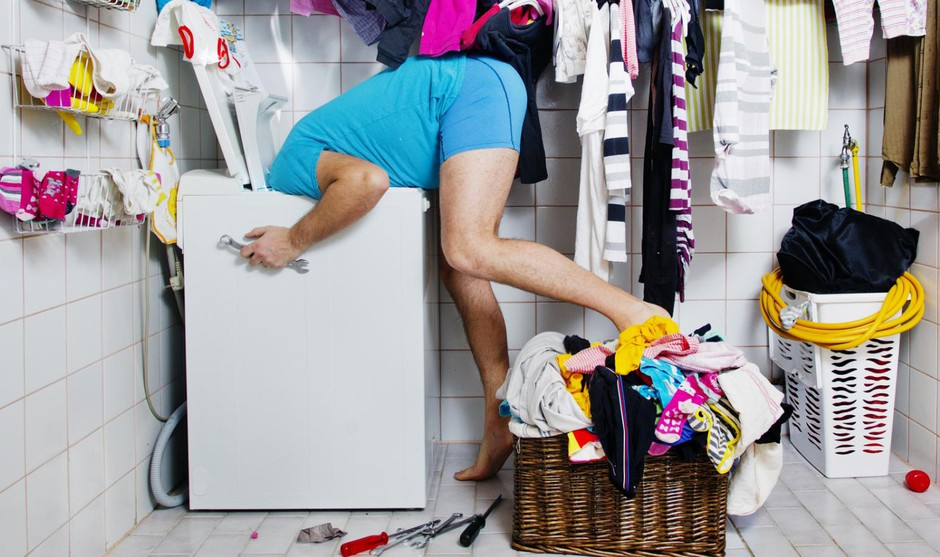 Dekodiraj njegovo stanovanje: Kaj pomeni kup umazanega perila in neoprana posoda? (foto: Getty Images)