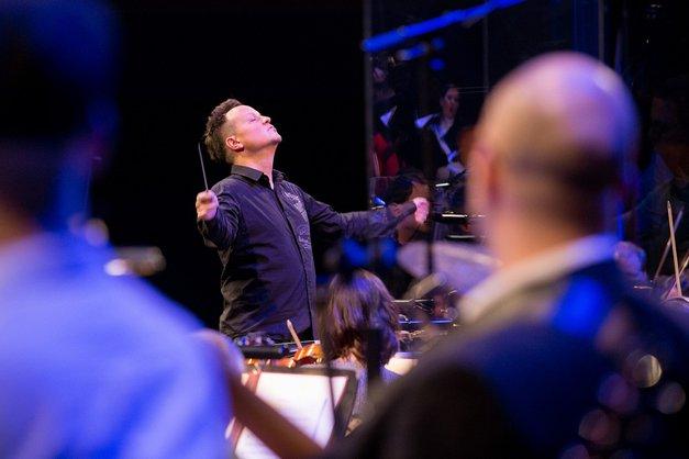 Simfonična ekstaza na velikem odru obljublja eksplozivno prebujenje vseh čutov! (foto: Max Petač)