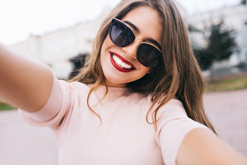 Izberi najboljša očala za to poletje! (foto: shutterstock)