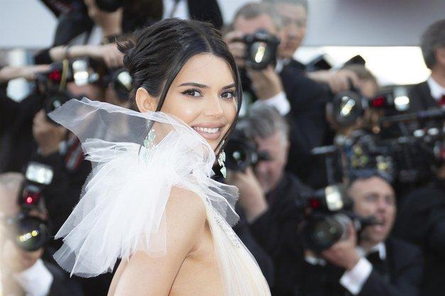 Kendall Jenner popolnoma spremenjena, krive naj bi bile lepotne operacije (foto: Profimedia)