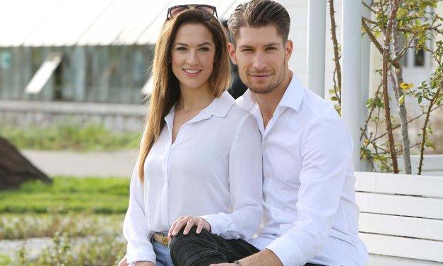 Razkrivamo: Tako so izgledala poročna vabila Mihe Vodičarja (Zvezde plešejo) in njegove Kristine (foto: Helena Kermelj)
