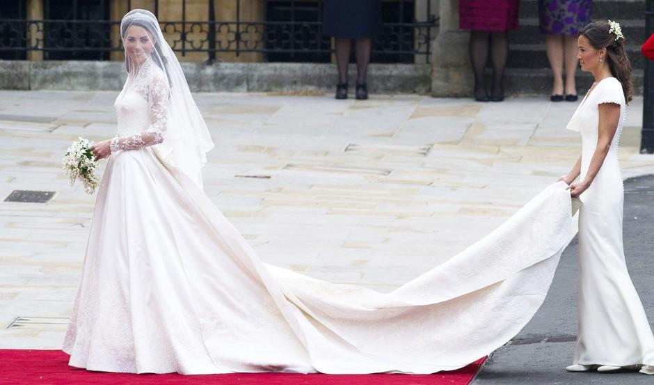 Zakaj je Pippa Middleton na poroki Williama in Kate nosila belo obleko? (foto: Profimedia)