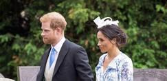 Meghan Markle na poroki nečakinje princese Diane nosila čudovito dolgo oblekico