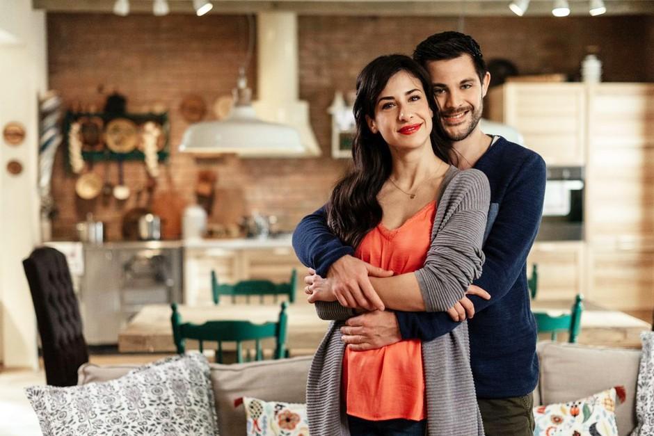 Oooo! Zvezdnica serije Reka ljubezni sporočila, da bo avgusta MAMICA 👏🏼 (foto: POP TV)