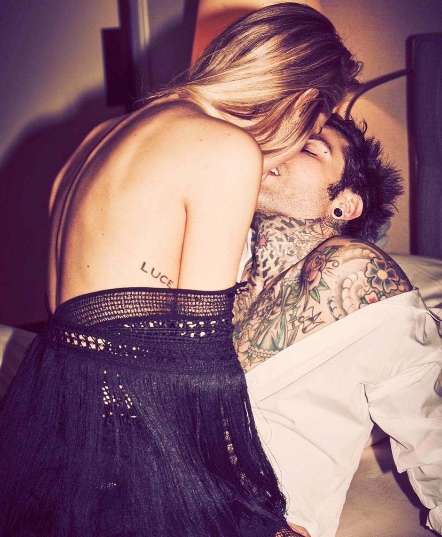 """""""Ko je najgloblje v tebi, za dodaten užitek iztegni ..."""" (top erotični nasveti samo za vaju) (foto: Profimedia)"""