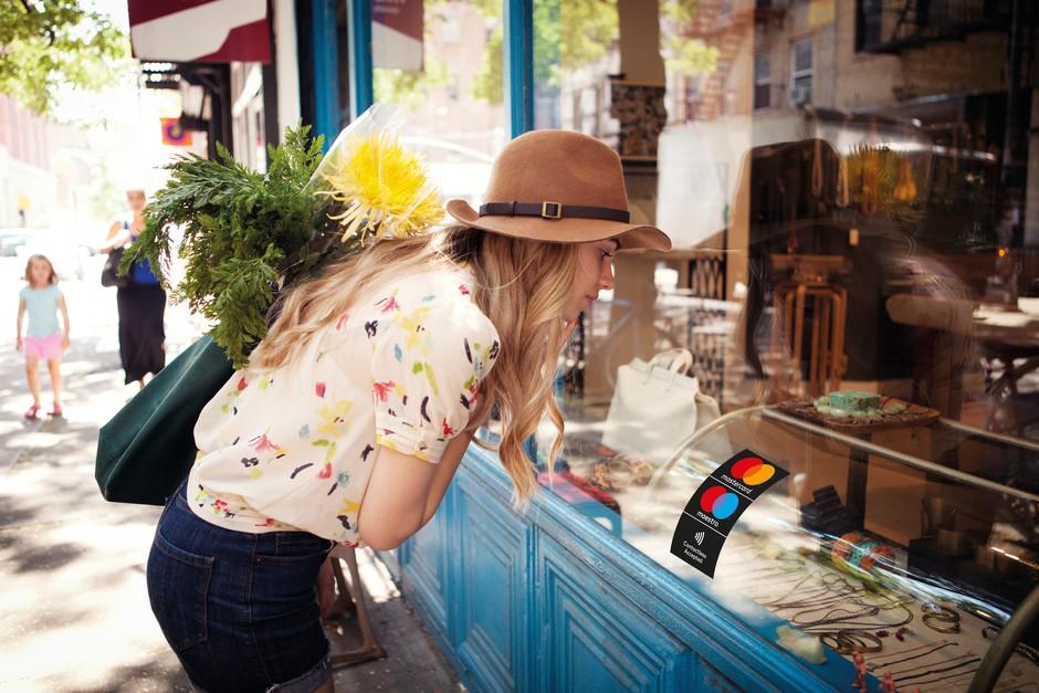 Varnost: Ali je plačevanje z gotovino res bolj varno od kartice? (6 dejstev) (foto: Promocijsko gradivo)