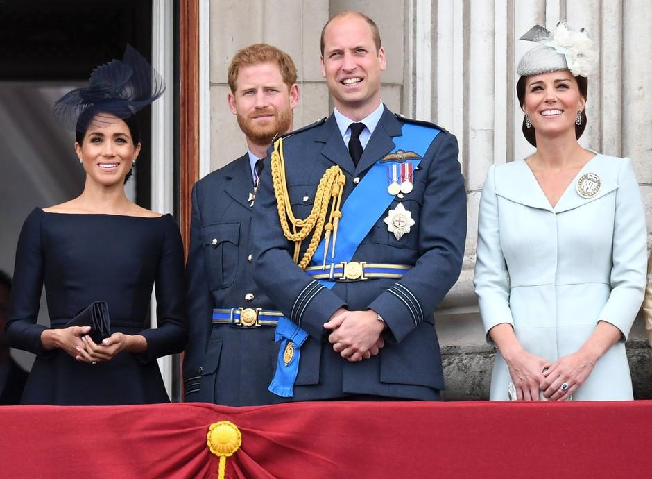 Kraljica Elizabeta ima za Kate Middleton in Meghan Markle zelo stroga pravila! (foto: Profimedia)