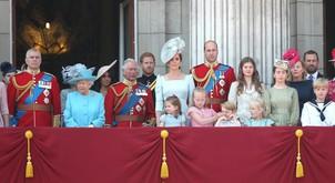 Kraljeva družina ima nov (uradni) portret in mi se topimo!