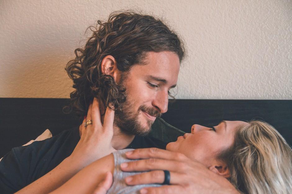 6 poletnih seks fantazij, o katerih sanjajo moški (foto: Unsplash/Neonbrand)