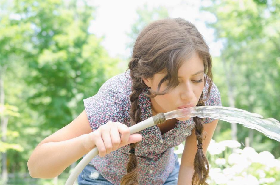 TA trik v trenutku razkriva, ali je tvoje telo dobro hidrirano ali ne! (foto: Profimedia)