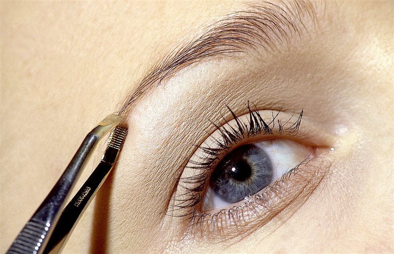 10 napak, ki jih (skoraj) sigurno delaš pri urejanju obrvi (foto: Profimedia)