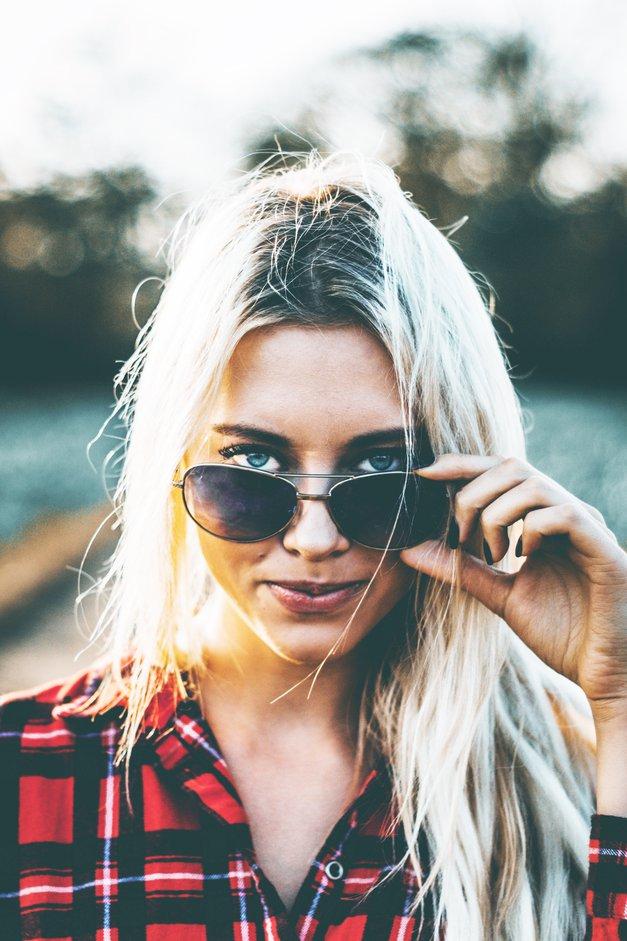TAKO boš na učinkovit način očistila stekla očal (foto: Unsplash.com/Mean Shadows)