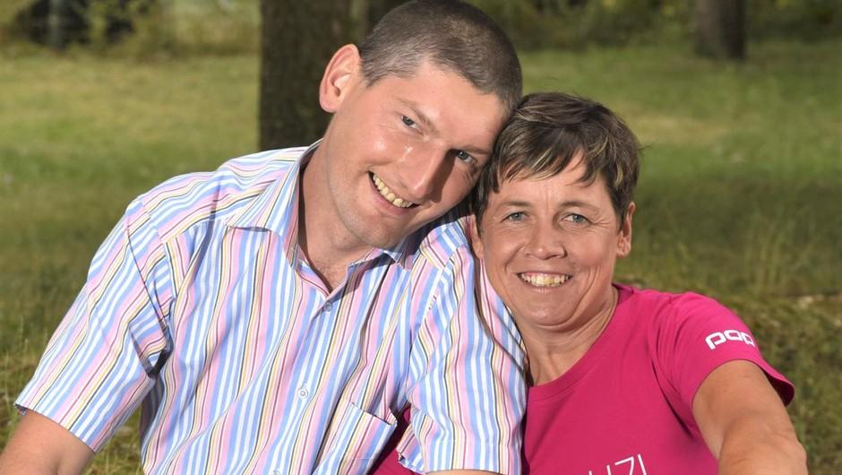 Vesna in Miha (Ljubezen po domače) sta zaročena! (foto: Igor Zaplatil)