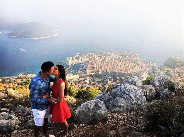 TA moški je svoje dekle zaprosil nad Dubrovnikom in njun VIDEO je obnorel ves svet! (foto: Instagram/marinho__10)